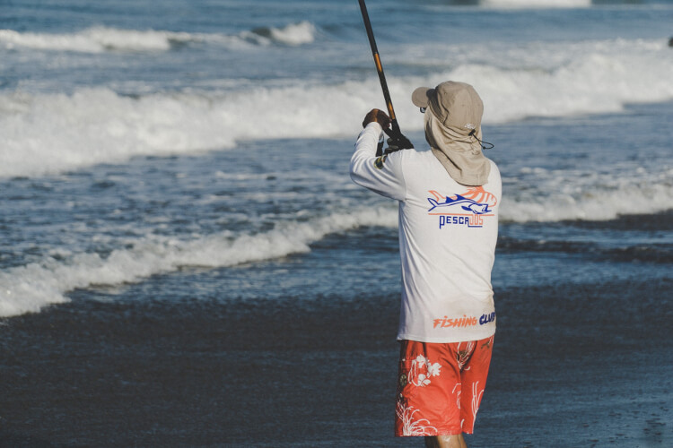 Looking for the best quality fishing wear for yourself? Check some best products here.